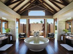 This is in a villa in the Shangri-La resort in the Maldives. O.M.G.  That is all.