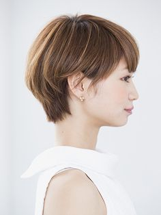 Short hair (side view)