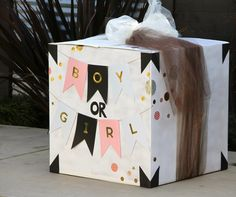 Gender reveal box baby announcement and reveal пол ребенка. Gender Reveal Box, Baby Shower Gender Reveal, Baby Gender, Babyshower, Party Mottos, Balloon Box, Gender Party, Baby Boy Or Girl, Baby Baby