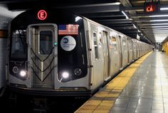 Moving to New York in subway:- One of the fastest ways to move to New York is the subways which covers four of the five districts of the city #Manhattan, #Queens, #Brooklyn, #Bronx and has a service operating 24 hours a day.  With its 368,461km mapping and its 468 operating stations, the #subway_network is one of the oldest and most extensive public #transportation networks in the world.  #Newyorksubway