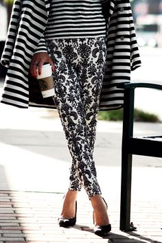 Love! Mixing & matching with simple shades of black and white. Stripes meet flocked paisley..