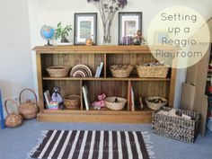 How to set up a Reggio playroom - An Everyday Story - love some of the features in this room, such as the nature table