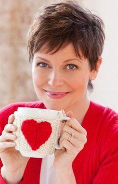 Free Pattern – Valentine's Heart Mug Cozy