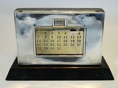 312) Antique art deco period silver mounted perpetual desk calendar – Birmingham 1934 Est. £25-£35