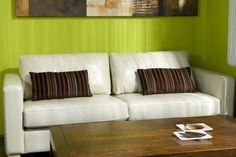 Dale un look moderno y radiante a tu sala.