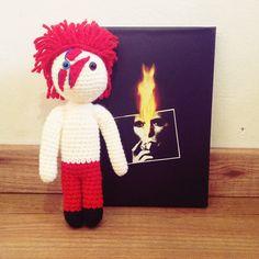 Amigurumi disponible de David Bowie! Interesados enviarme un mensaje! Acepto pedidos!