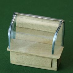 Make A Bakery Case With a Clear Top and Shelf in Quarter Scale