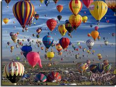 The Albuquerque, New Mexico balloon festival, known as the Albuquerque International Balloon Fiesta®, is the world's largest hot air ballooning event. Balloon Race, Air Balloon Rides, Hot Air Balloon, Albuquerque Balloon Festival, Air Balloon Festival, Balloon Pictures, Air Ballon, Land Of Enchantment, Photos