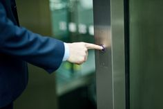 Is your elevator pitch prepared? Think of it like this: the CEO of your dream company steps on an elevator with you and strikes up conversation. You don't have long to make a lasting impression. Use these 3 tips to perfect your pitch!