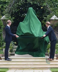Princess Diana Family, Princes Diana, Princess Kate, Princess Charlotte, Queen Elizabeth Death, Prince Philip Queen Elizabeth, Prince William And Harry, Prince Harry And Megan, Lady Diana