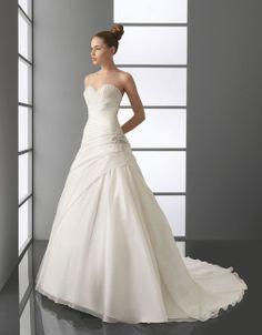 Sweetheart dropped waist A-line tulle wedding dress