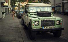 Land Rover Defender. You can download this image in resolution 1680x1050 having visited our website. Вы можете скачать данное изображение в разрешении 1680x1050 c нашего сайта.