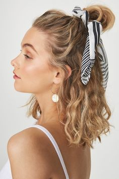 Hair styles wavy hair beauty super Ideas - Hair Ideas - Famous Last Words Pretty Hairstyles, Easy Hairstyles, Everyday Hairstyles, Hairstyle Ideas, Heatless Hairstyles, Scrunchy Hairstyles, Hairstyles With Headbands, Short Summer Hairstyles, Hairstyles For Curly Hair