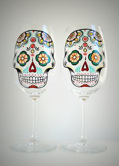 Sugar Skull - Hand Painted Wine Glasses - Día de Muertos - Day of the Dead Glasses @Sheridan Pohl