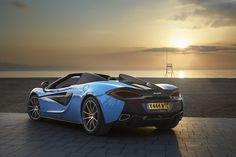mclaren 570S spider: a convertible supercar without compromises