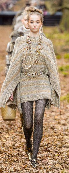 Шанель [Chanel] Осень-Зима 2018-2019 - Прет-а-порте - http://ru.orientpalms.com/Chanel-7190 - ©ImaxTree