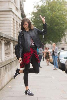 Το leather jacket σας πάει παντού | Jenny.gr