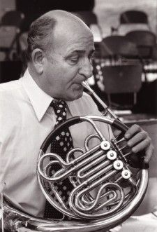 Marvin C. Howe - biography and list of works. He was one of the 20th Century's greatest horn pedagogues. His book for beginners, /Method for the French Horn/, is quite possibly the best beginner method book to date. -SP