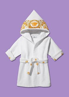 GUCCI Web stripe cotton baby nest Versace Hooded Bathrobe - Gucci Baby Clothes - Ideas of Gucci Baby Gucci Baby Clothes, Cheap Baby Clothes, Baby Outfits, Kids Outfits, Baby Girl Fashion, Kids Fashion, Luxury Kids Clothes, Baby Bling, Baby Design