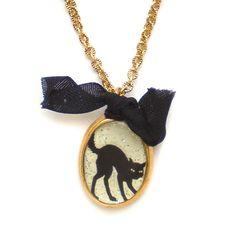 Maximal Art Halloween Necklace John Wind Black Cat Silhouette Gold New Jewelry #MaximalArt #Pendant