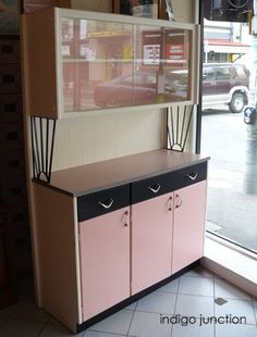 GORGEOUS vintage metal kitchen cabinet! Love Love This.... | so ...