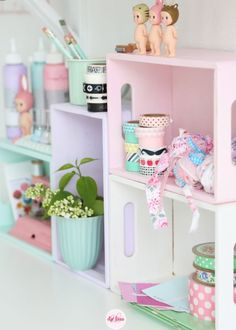 cute diy pastel shelves idea