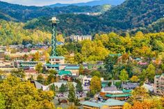 This resort city, resting on the border of the Great Smoky Mountains National Park, has achieved a s... - sean pavone/123rf