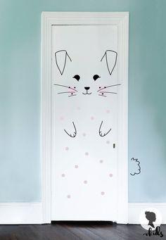 Dieses Bunny Kinderzimmer Tür Aufkleber werden perfekte Akzente in Kinder-Innenraum. Einfach schälen und stick! ▼▲▼▲▼ SET INKLUSIVE ▼▲▼▲▼ * Ohren