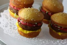 Hamburger Lookalike Cupcakes