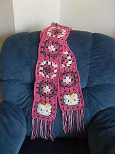 Pattern available on Made by K's blog. Also provides download options for 2 sizes of paper- US letter size and A4.  FREE PATTERN 12/14.