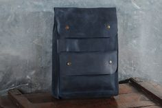 Handmade backpack made of full grain leather. Consists of 1 big compartment with additional pocket on the outside. Only high-quality hardware is used for producing this backpack. Made in minimalist urban style, it will become a great thing to carry with you anywhere you go. The length of the straps is adjustable. Theres no linen involved, the leather backpack is made of 100% leather on the inside and out. Pleasant impressions from usage are guaranteed. Perfect for It is light, yet…