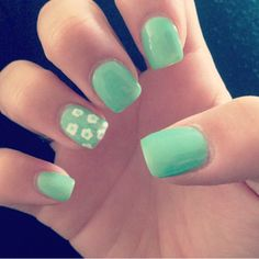 Barry M in 'Mint Green' with white daisies