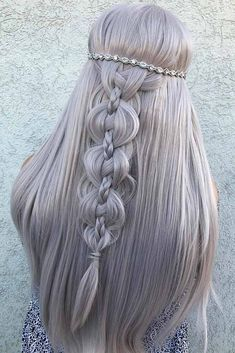 Wedding hairstyles are many, and very often it is pretty tricky to come up with a proper one. When we realized that our help was needed, we could not help but compile his trendy and inspiring… Trending Hairstyles, Cool Hairstyles, Hairstyles Haircuts, Hairstyle Ideas, Fantasy Hairstyles, Boho Wedding Hair, Bridal Hair, Wedding Dress, Braided Hairstyles For Wedding