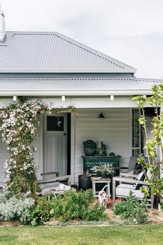 After years overseas, Fliss Brohpy and her family have returned to her childhood home, a coastal farm on Geographe Bay, Western Australia, where the paddocks roll into the sea. Take a tour of their charming farmhouse. Source by jessieburnell Australian Homes, Country Cottage, House Exterior, Weatherboard House, Home And Garden, House Painting, Cottage Exterior, Exterior House Doors, Exterior