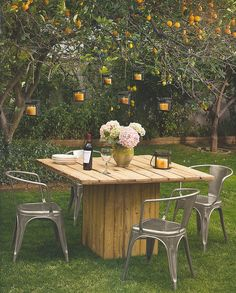 DIY Table - i really like this for an outdoor table