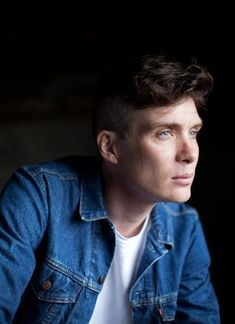 Cillian Murphy - stunning, brilliant, talented and a beautiful piece of ART 💙 Peaky Blinders Tommy Shelby, Peaky Blinders Thomas, Cillian Murphy Peaky Blinders, Peaky Blinders Series, Peaky Blinders Quotes, Traje Peaky Blinders, Peaky Blinders Wallpaper, Gorgeous Men, Hair Cuts