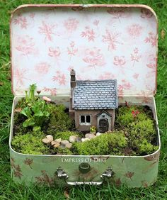 Create a fairy garden in a vintage suitcase. Sweet idea for patio, garden, or inside your home. Kids love it.