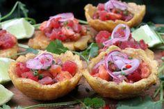 Ceviche de salmón y atún en canastas de patacon