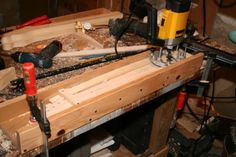 Trussrod Routing Jig by Vizcaster -- Homemade trussrod routing jig constructed from wood and intended to facilitate the process of fabricating wooden necks for electric guitars. http://www.homemadetools.net/homemade-trussrod-routing-jig
