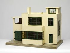 Ultra Modern Dolls' House made by Lines Bros. under the Tri-ang Toys trademark in England in the late Museum Number House Of Lords, Modern Dollhouse, Miniature Houses, Art Deco Design, Dollhouse Furniture, Doll Furniture, Small World, Little Houses, Home Art