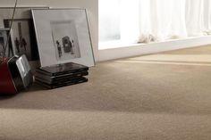 Hay que ver lo importante que es elegir una alfombra adecuada para cada estancia . Parece mentira cómo un elemento tan sencillo puede conse...