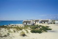 Arniston Info - Western Cape South Africa - The Overberg Region Beautiful Places In The World, Wonderful Places, Fishermans Cottage, Cape Dutch, Namibia, Le Cap, Exotic Places, Countries Of The World, Cape Town