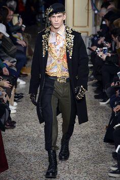 Moschino Fall 2017 Menswear Collection Photos - Vogue