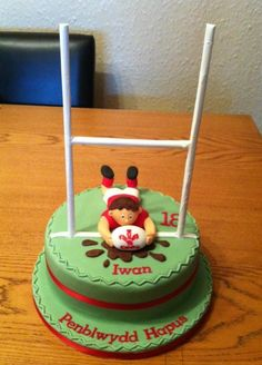 #Rugby #Cake- For all your cake decorating supplies, please visit craftcompany.co.uk