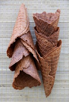 Homemade Chocolate Waffle Cones by Our Best Bites. Waffle Cone Recipe, Waffle Bowl, Waffle Recipes, Ice Cream Recipes, Pancake Recipes, Crepe Recipes, Breakfast Recipes, Chocolate Cone, Chocolate Waffles