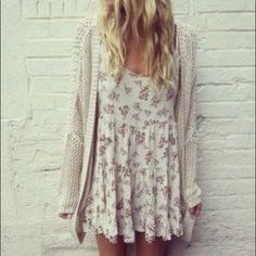 White Floral Jada Brandy Melville Dress ♡ brand new  ♡ bundles = cheaper prices ♡ use button to offer price ♡ any questions, just ask  ♡ no trades! Brandy Melville Dresses Backless