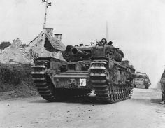 Churchill tank, Infantry, Mk IV was a heavy British infantry tank used in the Second World War, best known for its heavy armour. The Churchill tank Ww2 Pictures, Military Pictures, Royal Engineers, Military Armor, Armored Fighting Vehicle, Ww2 Tanks, World Of Tanks, Panzer, Armored Vehicles