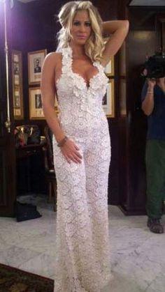 Kim Zolciak unveils a unique wedding look – a jumpsuit!