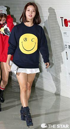 """한그루韓可露Han Groo&하주연河珠妍&소리Sori◕‿◕✿出席2015 S/S 首爾時裝週(Seoul Fashion Week)""""비욘드 클로젯(Beyond Closet)""""時裝秀"""