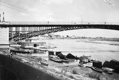 Ezen az 1938-as fényképen azonban még bőven volt forgalom. Az előtérben halászbárkák vannak kikötve. Fotó: Négyesi Pál / Fortepan